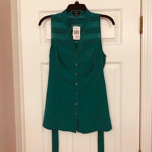 Green Guess Sleeveless Button-up